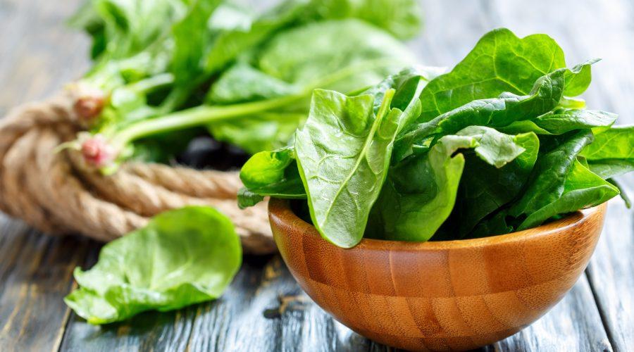 El paper de les verdures verdes en una dieta detox