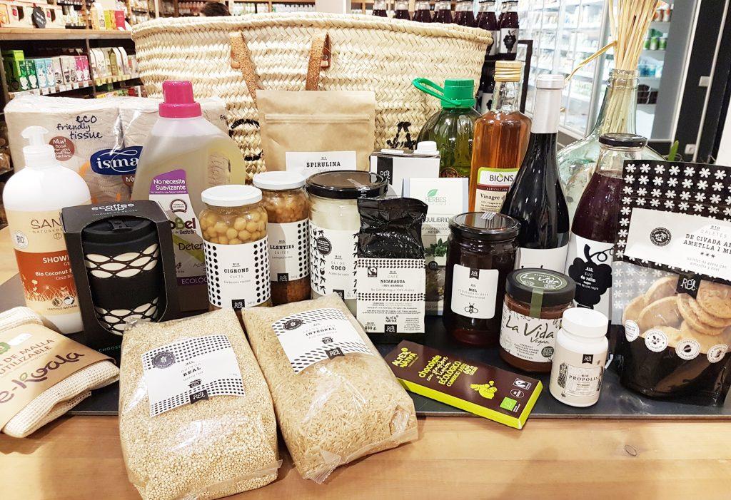Panera de productes ecológics valorada en 150 € que es sortejarà en motiu de l'obertura de la nova botiga Molsa Santa Maria.