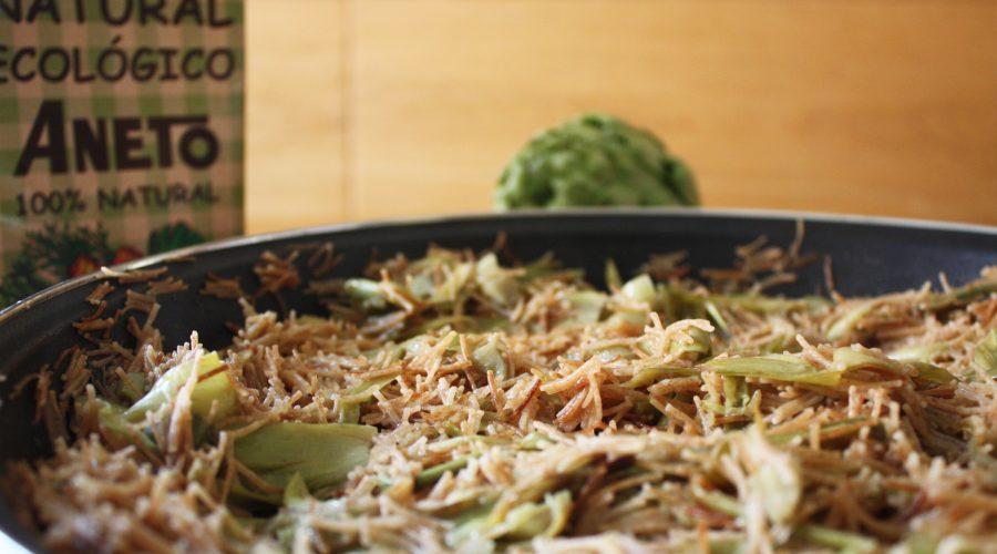 Fideuà de carxofes cuinada amb brou de verdures Aneto